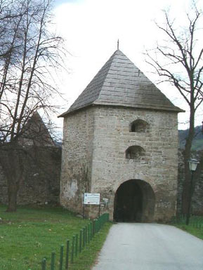 Tower 1 – entrance into Kastel at west rampart